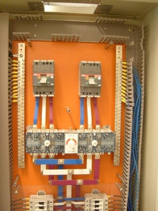 Sistemas Distribuição Elétrico para Data Center Araçoiabinha - Sistema de Distribuição de Energia Elétrica